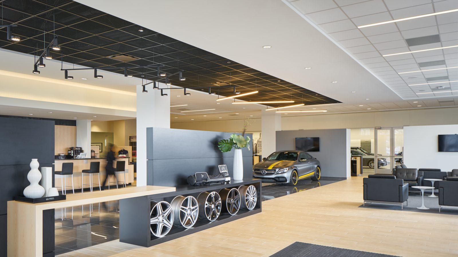 Fletcher jones automotive service center chicago chicago for Mercedes benz of chicago service center chicago il