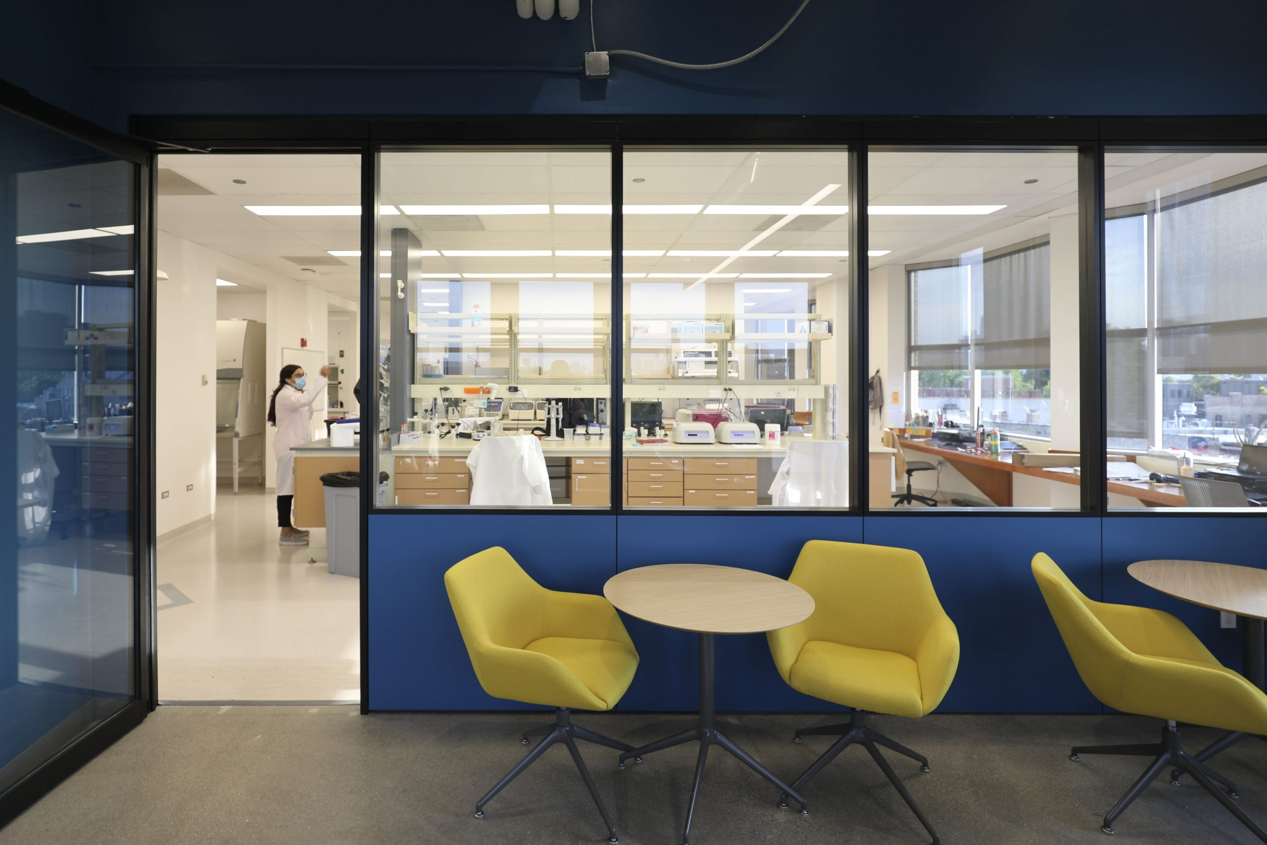 Chicago Is A Lab Sciences Desert. But What Kinds Of Labs Does It Need?