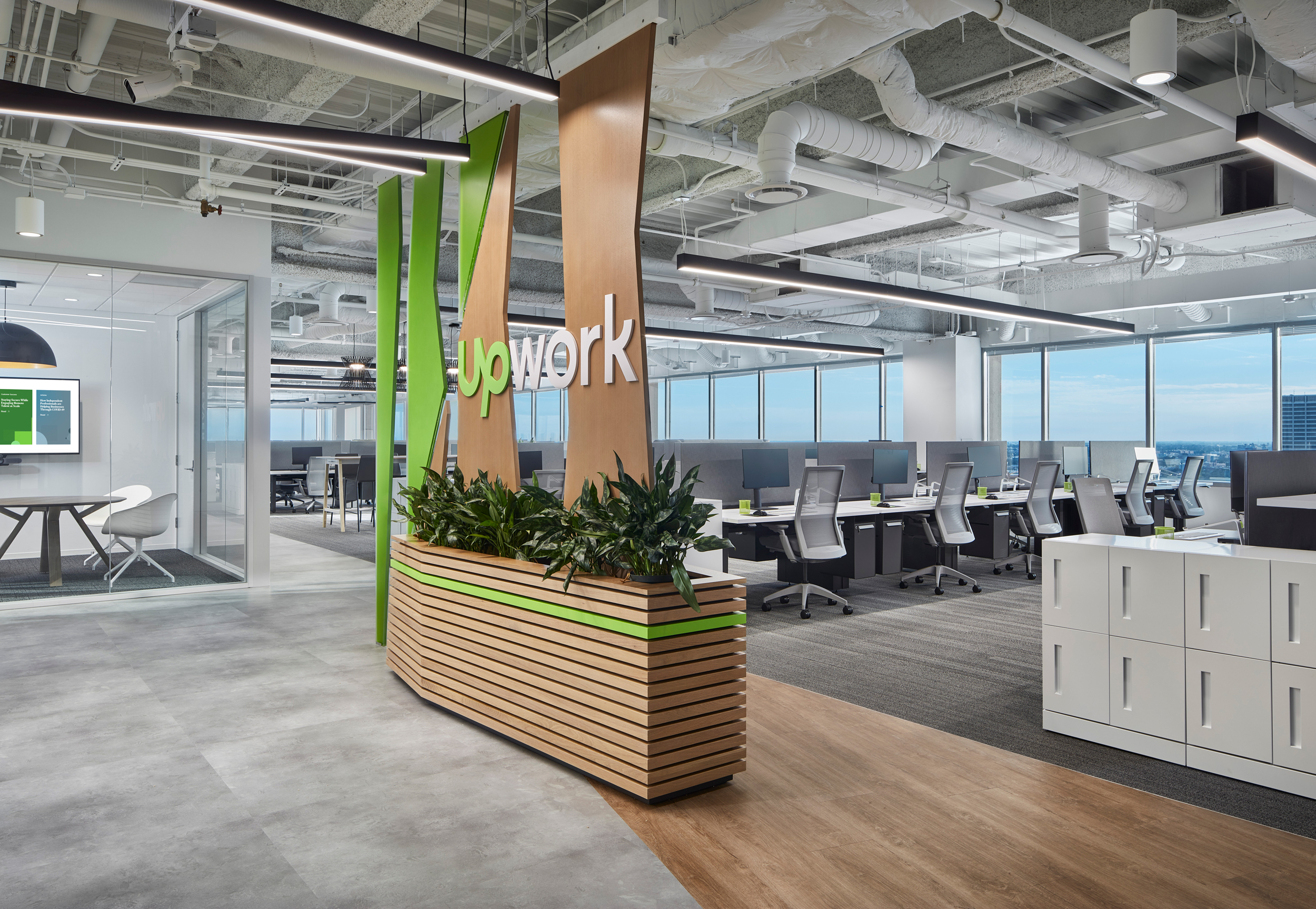 Skender Completes Interior Construction to Expand Upwork's Chicago Office